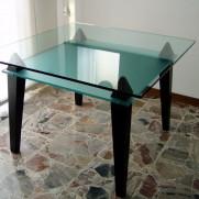 Tavolo in vetro e wengè –  Milano